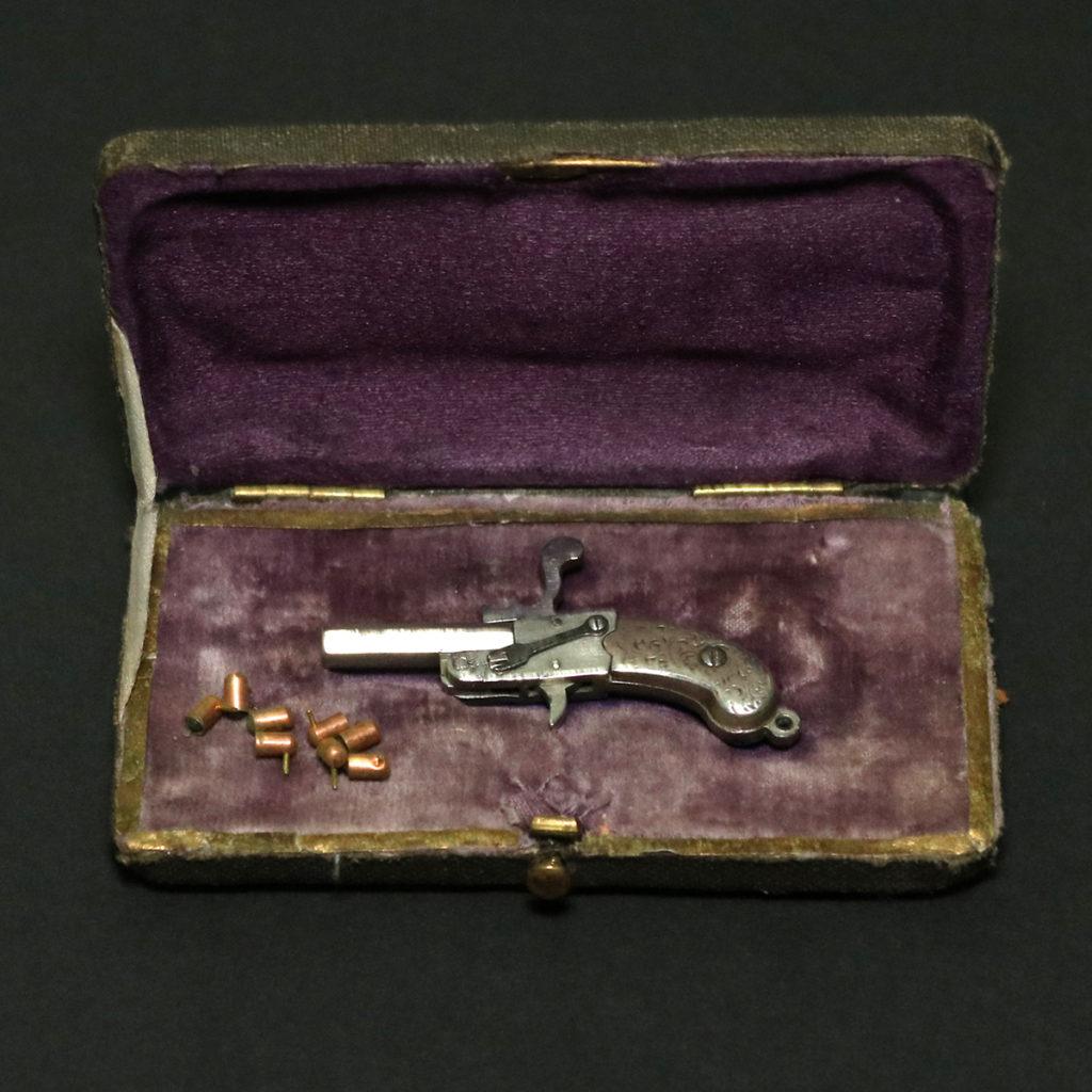 АРК-16Миниатюрная модель пистолета1