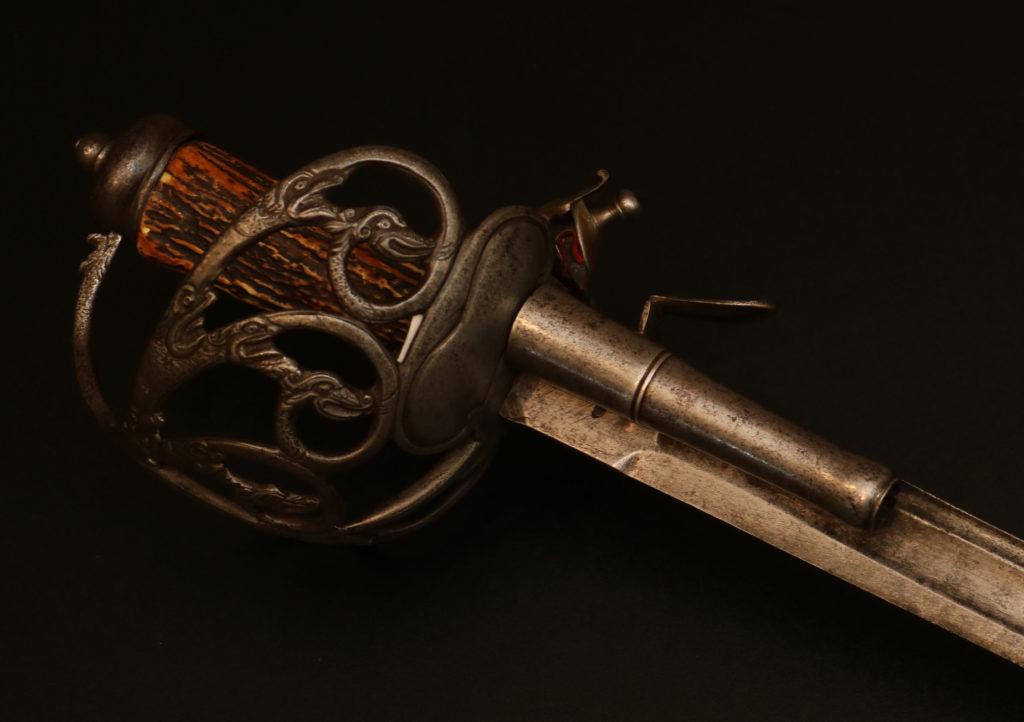 Кинжал-пистолет комбинированный2