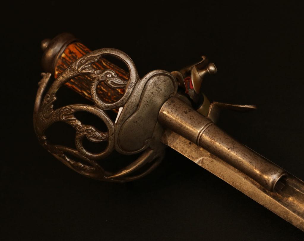Кинжал-пистолет комбинированный3